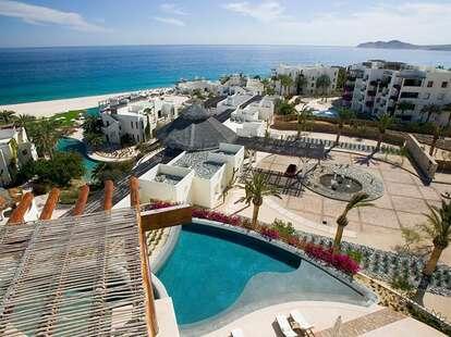 Las Ventanas resort pool