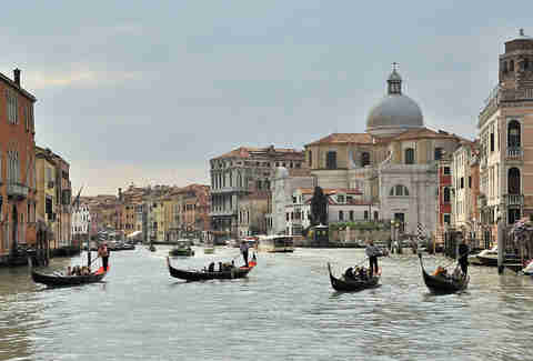 gondolas... everywhere