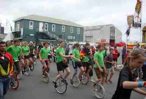 unicycle race