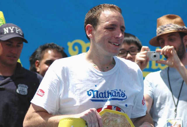 Nathan\'s hot dog hero Joey Chestnut crushed a \