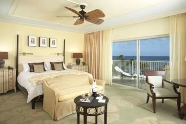 Kahala Resort hotel room on Oahu