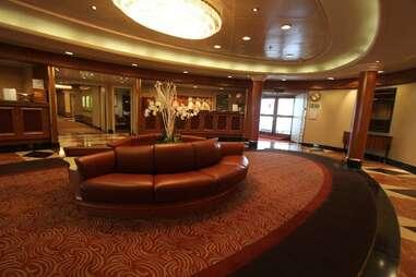 silver whisper lobby