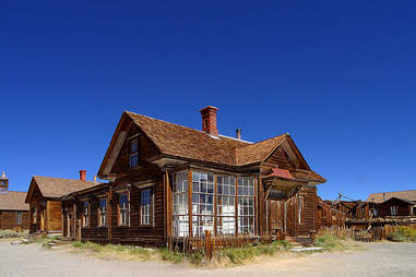 abandoned house bodie