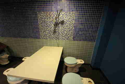 The Magic Restroom Cafe, Los Angeles