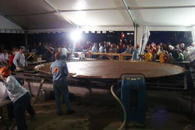 World's largest pumpkin pie