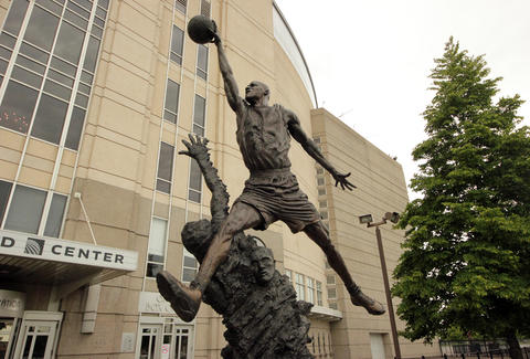 Michael Jordan Statue at the United Center