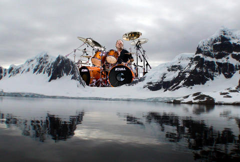 lars ulrich between two giant buttes