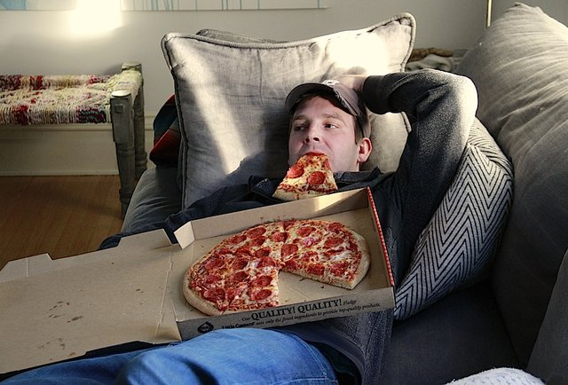 The average pizzeria uses roughly 55 pizza boxes per mjsulapost.tk consume around ,, pounds of pepperonis every yearSome popular pizza toppings in Japan are squid and Mayo Jaga (mayonaise, potato and bacon)The highest-grossing single-unit independent pi.
