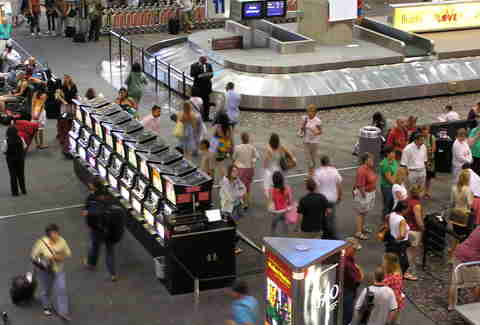 Las Vegas airport slot machines