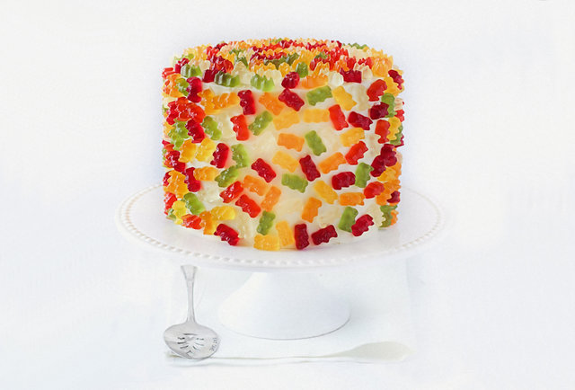 An ingenious gummy bear cake that\'s even better than it sounds