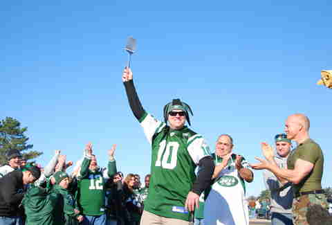 Jets fan with silver spatula