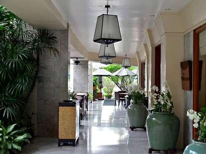 Mandarin Oriental Bangkok hallway