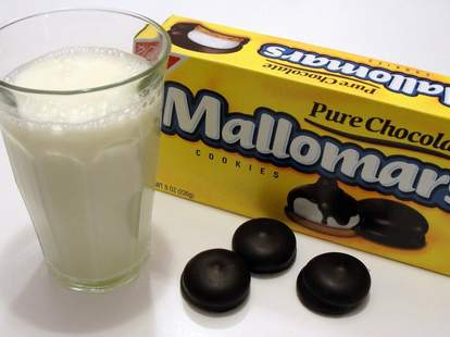 Mallomars and milk