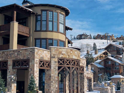 Chateaux Deer Valley building
