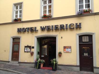 hotel weierich sign