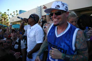Vanilla Ice and MC Hammer performing