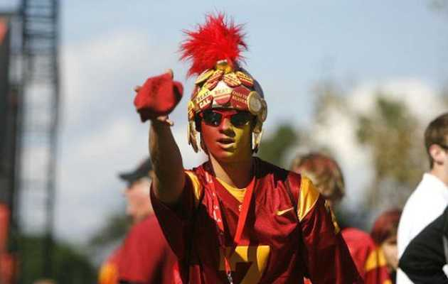 9 reasons USC fans are the worst