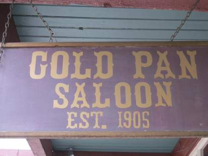 gold pan sign