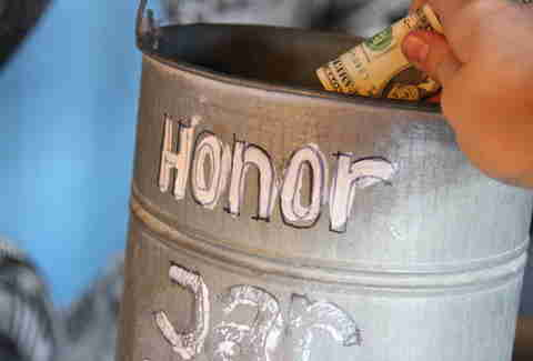 Honor jar at Garage