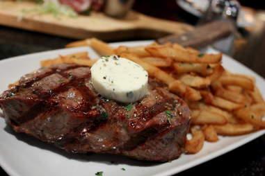 Steak frites Paris