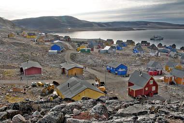 Ittoqqortoomiit colorful houses