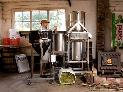rogue farms beer brewing