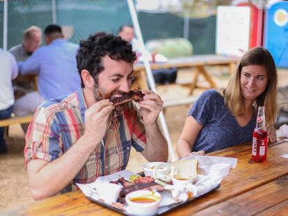 eating ribs