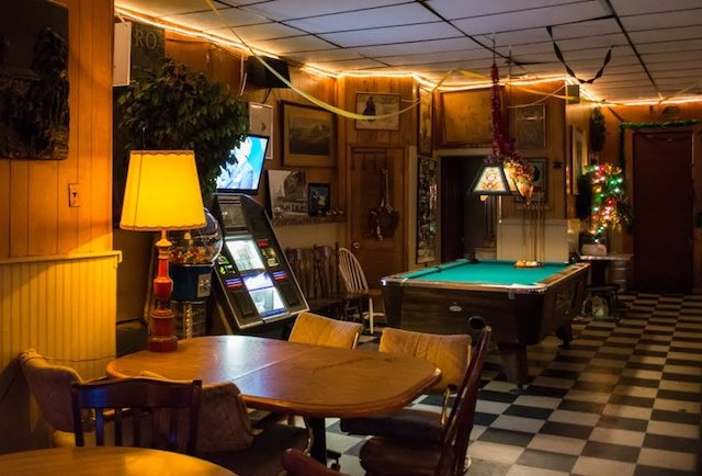 The 9 Best Dive Bars In Chicago Neighborhood Guide To