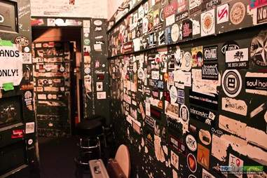 smith's olde bar interior