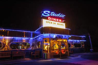 Studio Diner BNOYL Late-Night SD