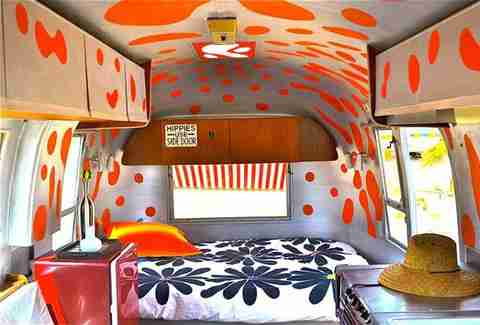 Trailer, Kate's Lazy Desert, interior