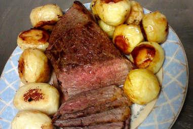 Roast beef and franconia potatoes