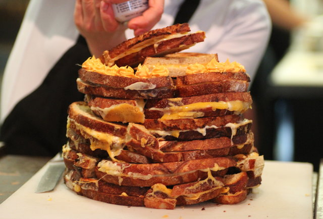 Fat Kid Fridays, December 13th Edition: The week\'s most ridiculous eats, ranked by calorie content