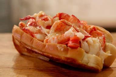 lobster roll luke's lobster philadelphia