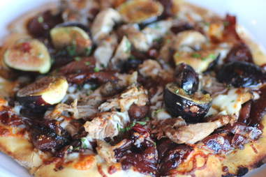 Lyn 65 Kitchen & Bar pizza