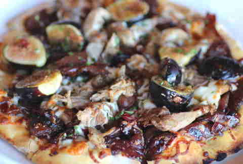 Lyn 65 Kitchen & Bar pizza