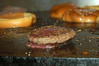 burger patty and buns