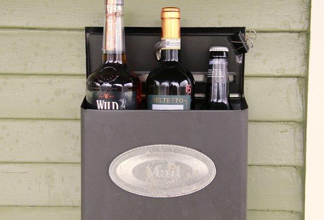 10 booze-of-the-month club memberships you wish you\'d gotten
