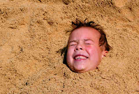 head buried in sand