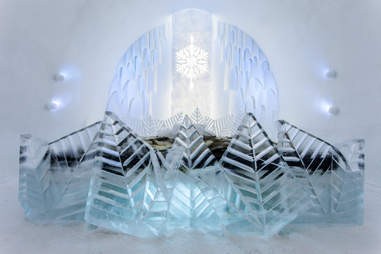 Frozty Flower suite at ICEHOTEL