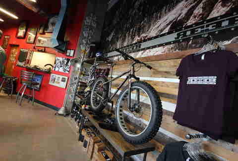 bike shop at Cyclhops