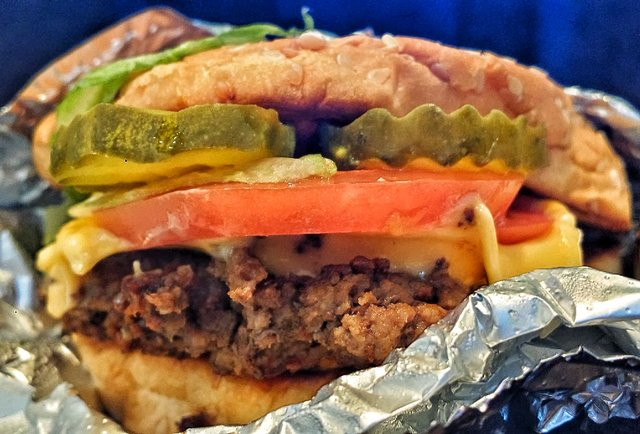 Who Makes the Best Fast-Food Cheeseburger?