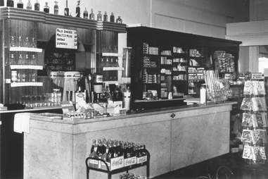 Soda Fountain Vernors Detroit