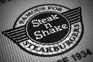 Steak 'n Shake sign