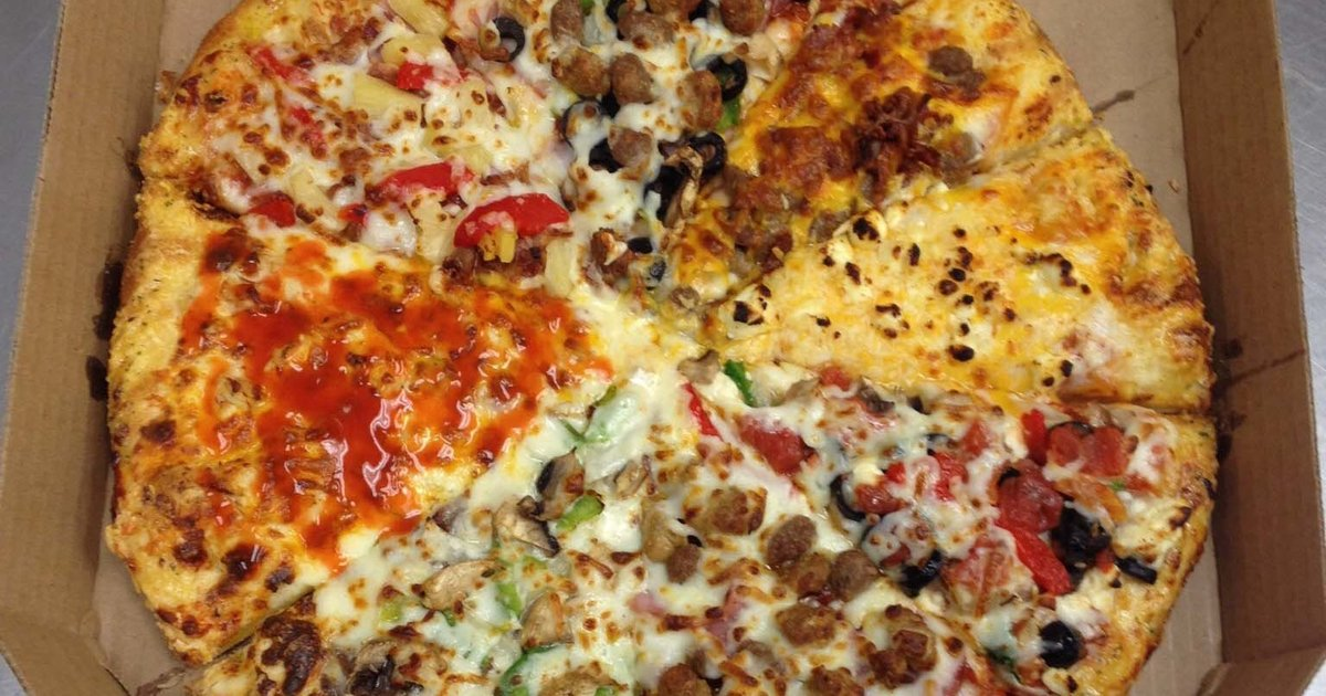 Reddit domino 39 s employee creates a pizza with different - Dominos pizza paterna ...