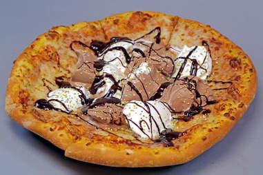 ice cream sundae pizza