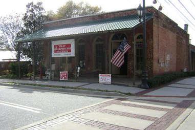Old Sharpsburg Auction Building