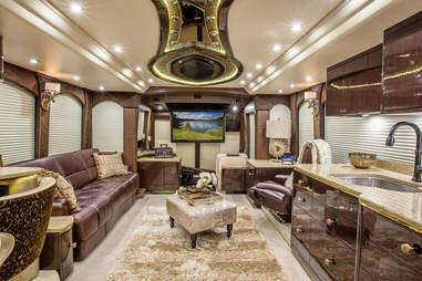 Millennium prevost interior