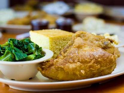Roscoe's Chicken and Waffles LA