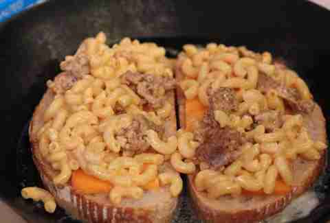 Grilled (Mac &) Cheese Sandwich